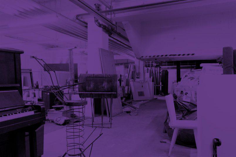 Einladungskarte mit dem Werkraum in der Muthesius Kunsthochschule