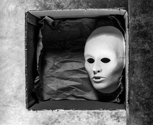 Wolfgang Meyer-Hesemann BOX MASK III, analoge Fotografie, € 100,00